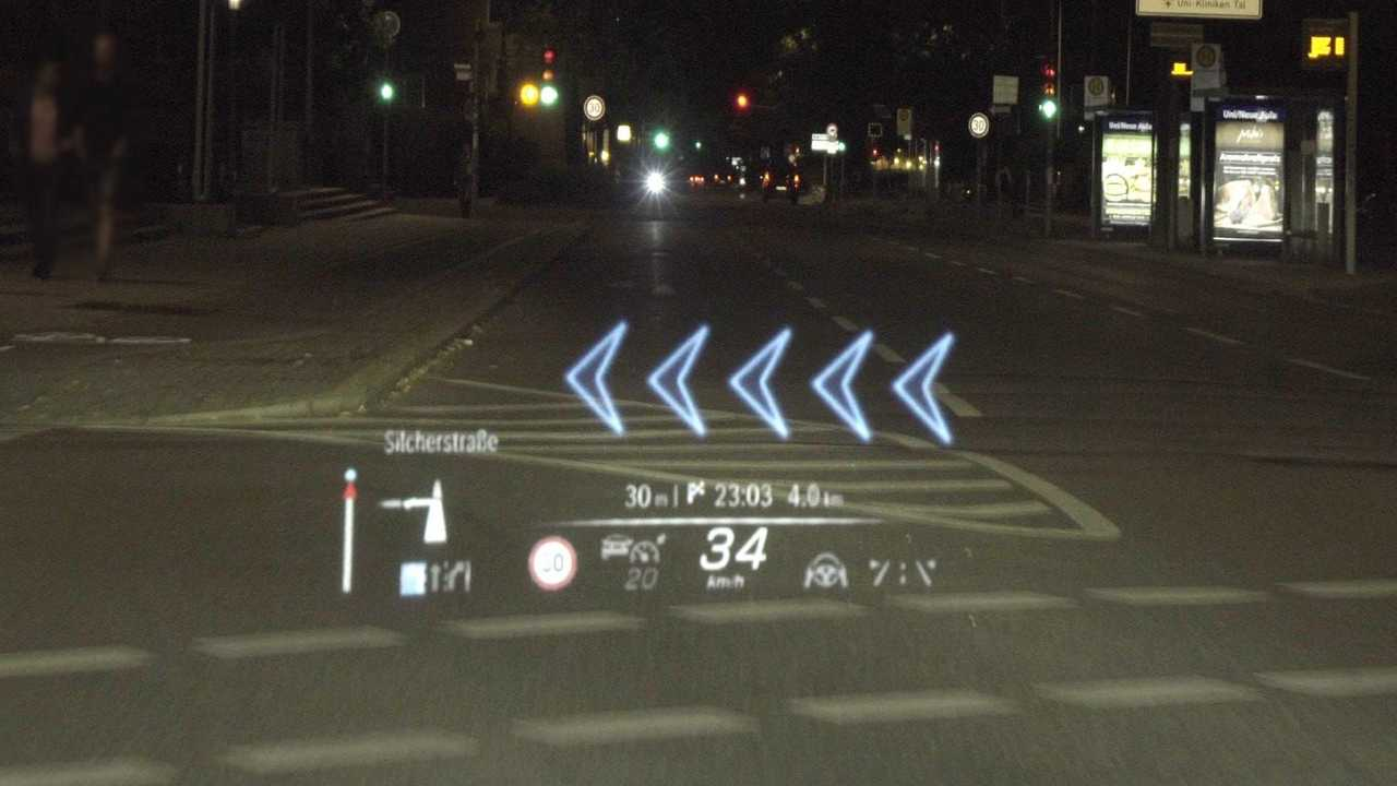 Head up display con realtà aumentata