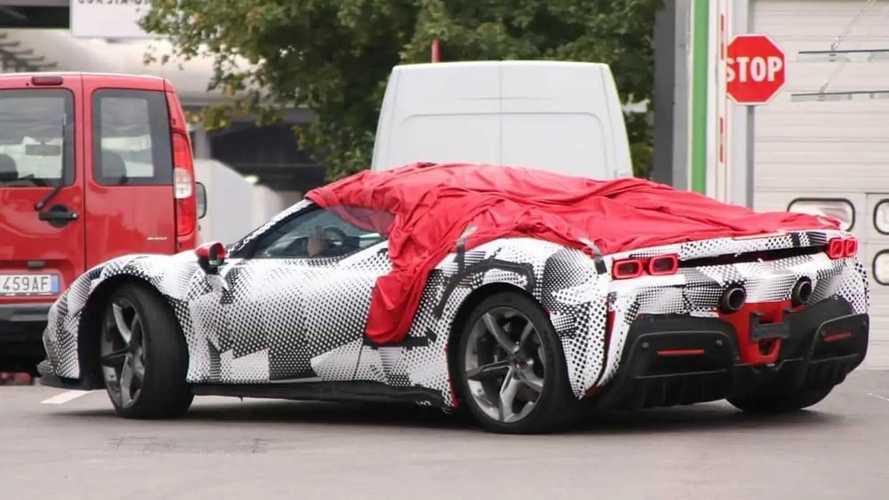 Photos espion de la Ferrari SF90 Stradale Spider