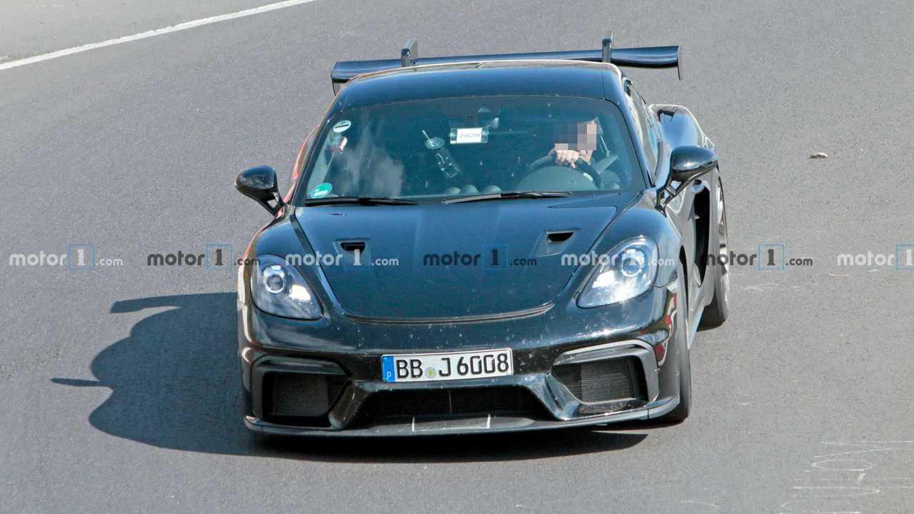2022 Porsche 718 Cayman GT4 RS kém fénykép