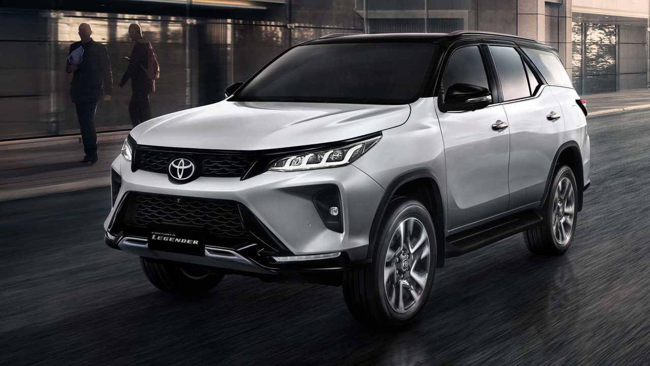 Обновленный Toyota Fortuner (2020)
