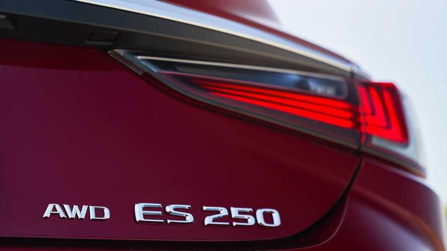 Lexus ES обновился и впервые стал полноприводным
