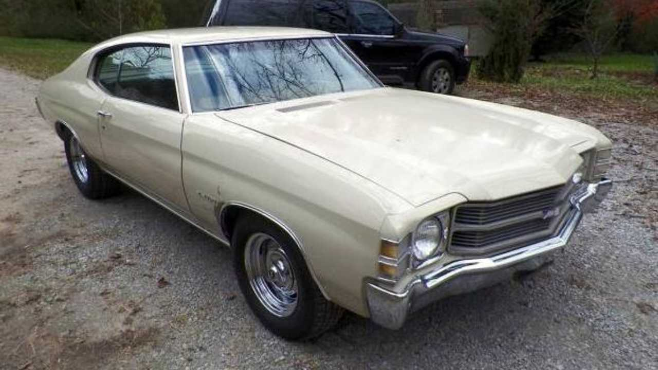 This 1971 Chevrolet Chevelle hasn't seen sunlight in 24 years
