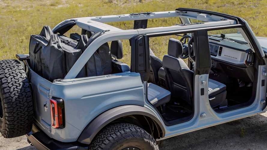 2021 Ford Bronco Hard and Soft Top Removal Doesn't Look Too Tough