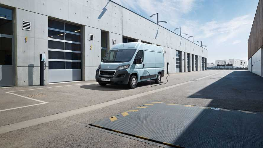 Peugeot Presents Large All-Electric Van e-Boxer