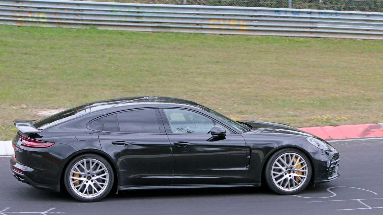 Porsche Panamera Lion Nordschleife Rekordlauf