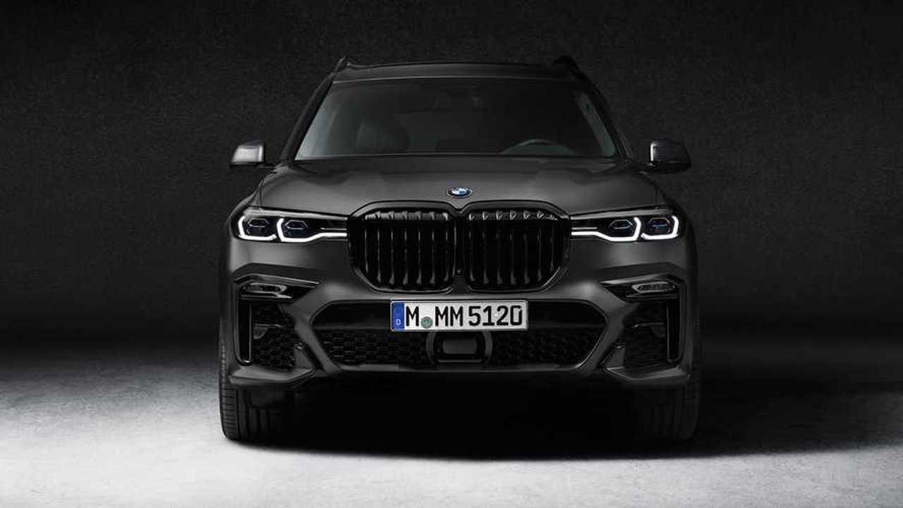 BMW X7 Dark Shadow Edition вид спереди