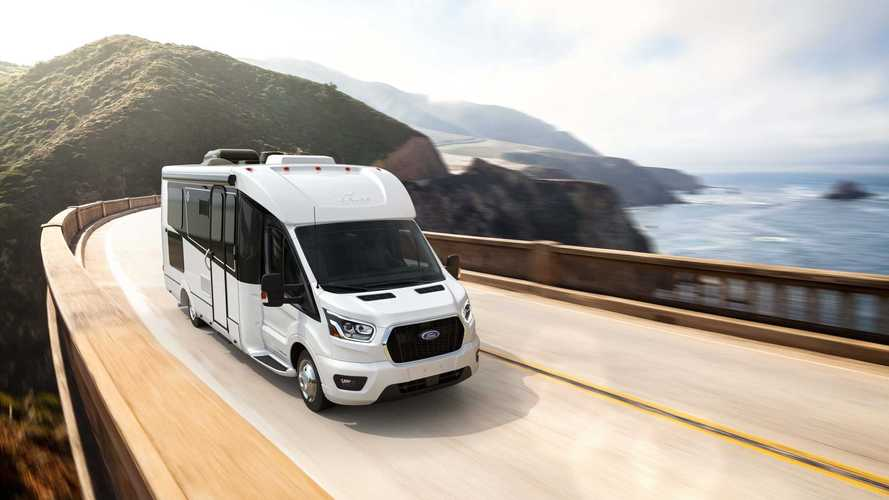 Leisure Travel Vans Wonder Rear Lounge 2021