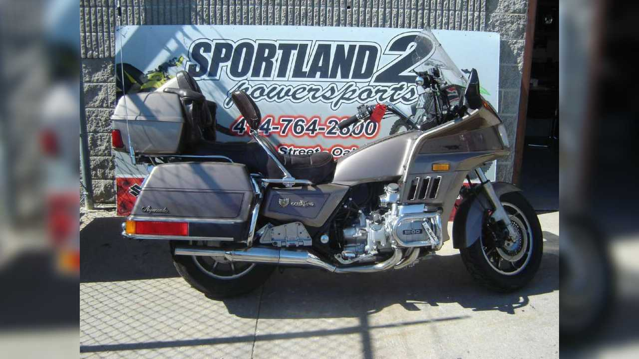 1984 Honda Gold Wing GL1200 Aspencade