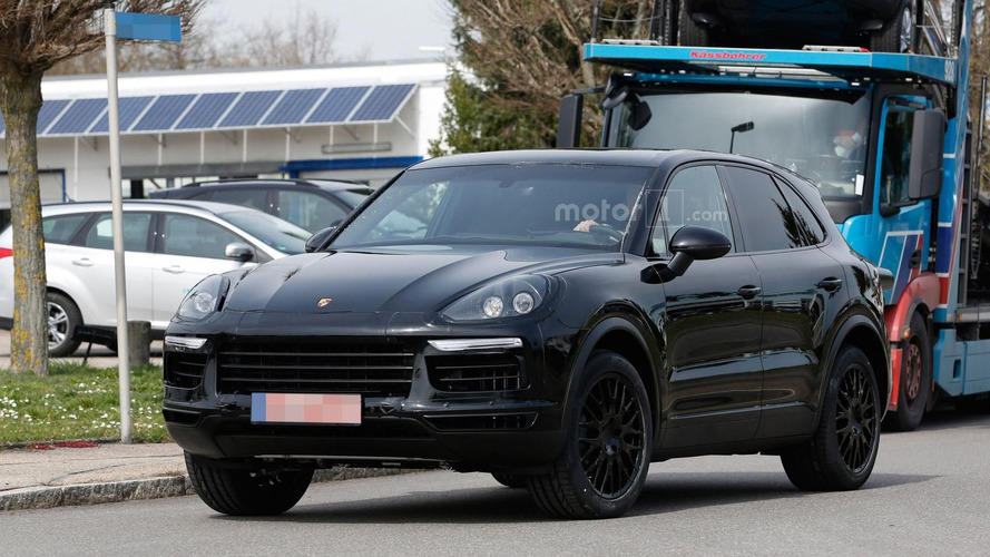 2018 Porsche Cayenne spied in Germany