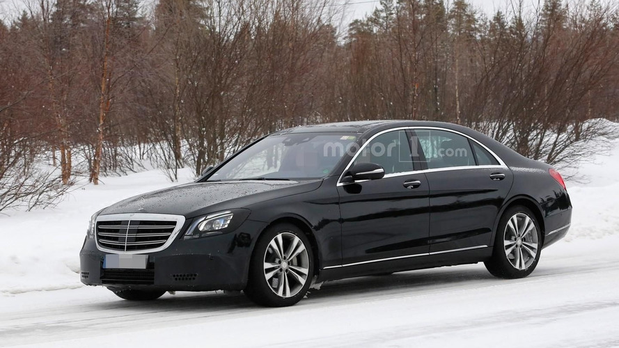 Mercedes S-Class facelift spied inside and out (20 pics)