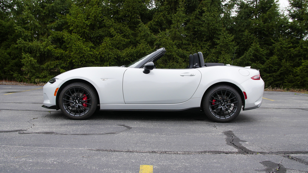 2016 Mazda MX-5 Miata Club | Why Buy? Headliner