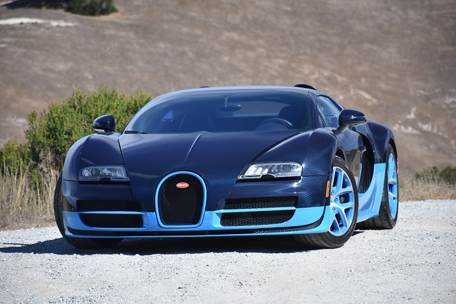 The Bugatti Veyron Is The Closest You Ll Get To A Fighter Jet First