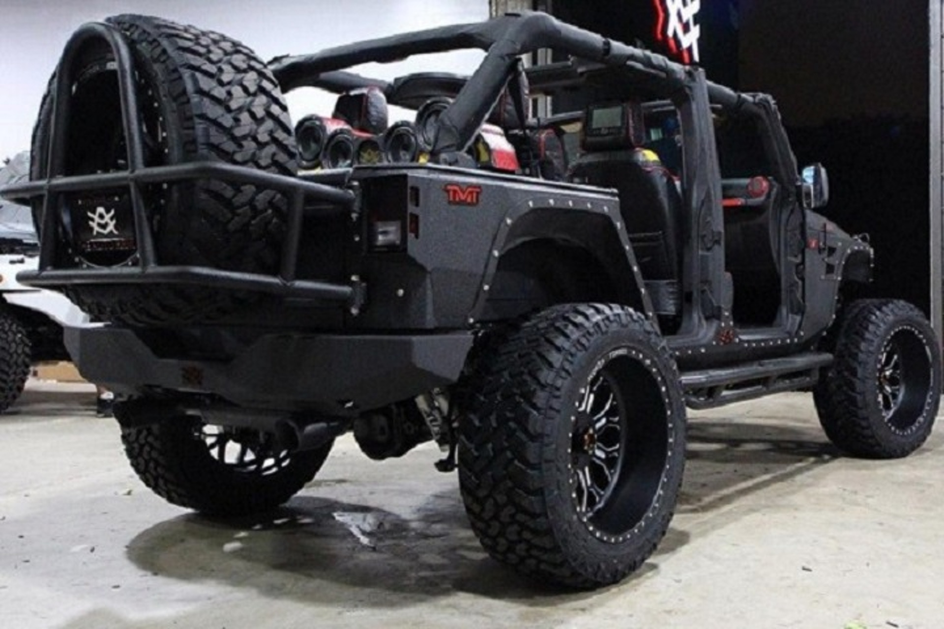 Mayweather Replaces Burnt Jeep With Sinister-Looking Custom Wrangler