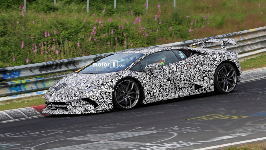 2017 Lamborghini Huracan Superleggera spy shots