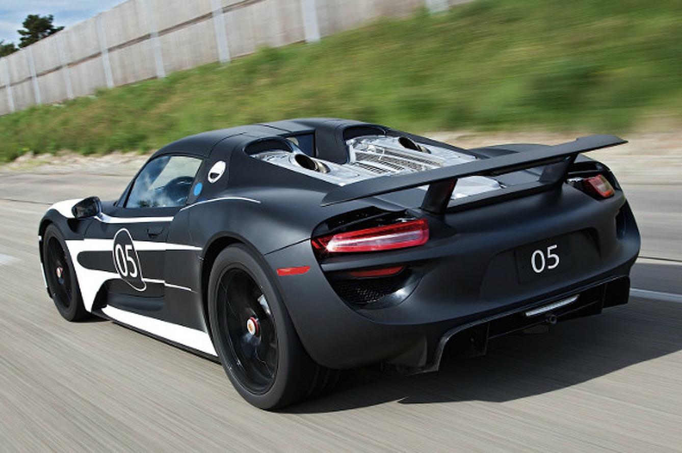 Porsche 918 Spyder Being Showcased for Buyers