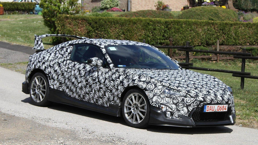 Toyota FT-86 Coupe spied again with changes