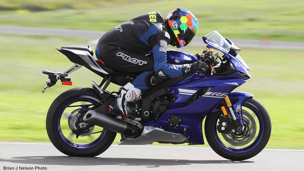 pure exhilaration a review of the 2017 yamaha yzf r6