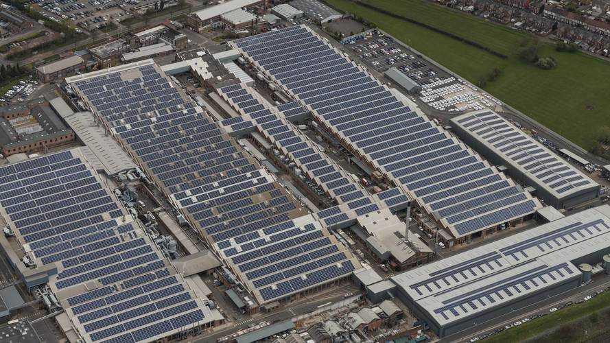 Bentley fabrikasına İngiltere'nin en büyük güneş paneli sistemi kuruldu