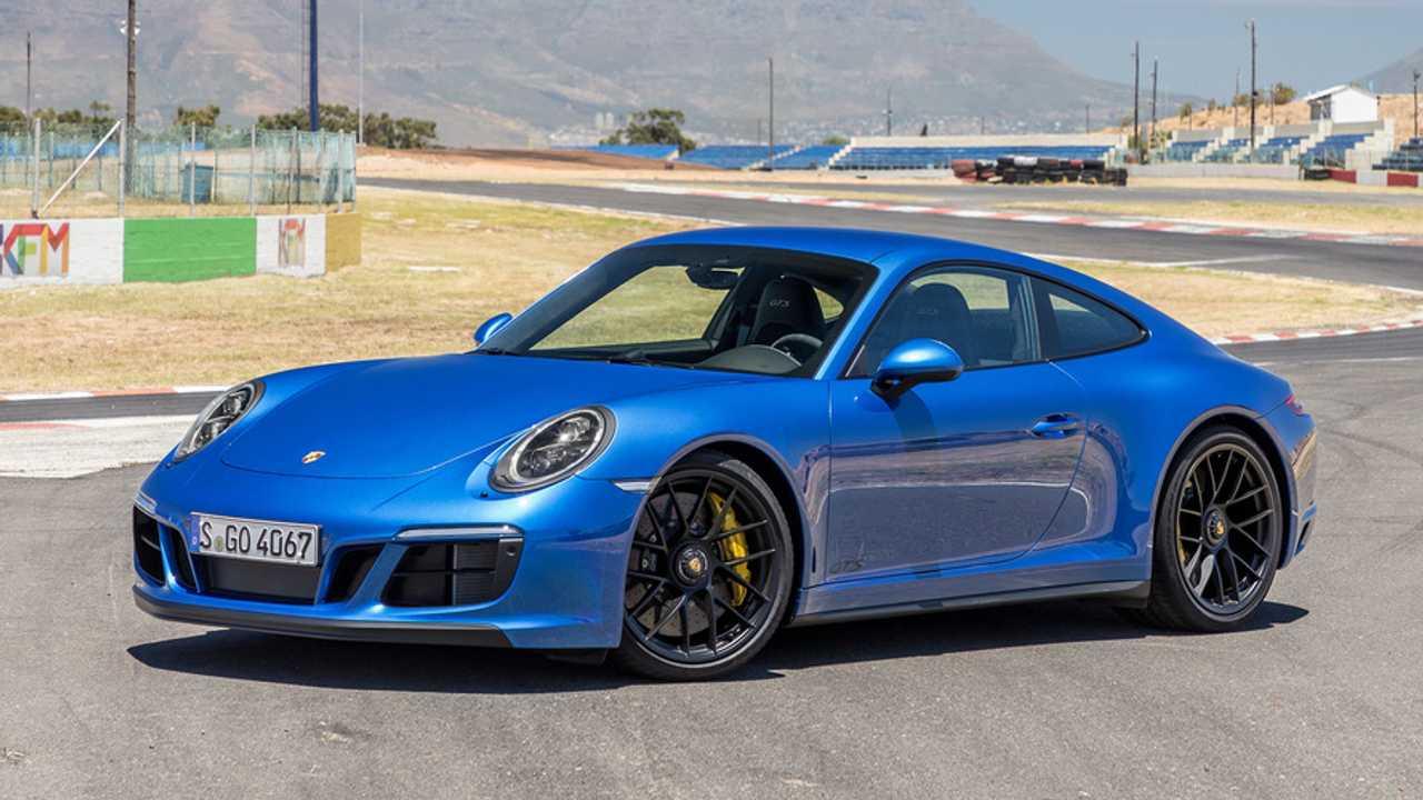 Porsche 911 Carrera 4 GTS Coupé
