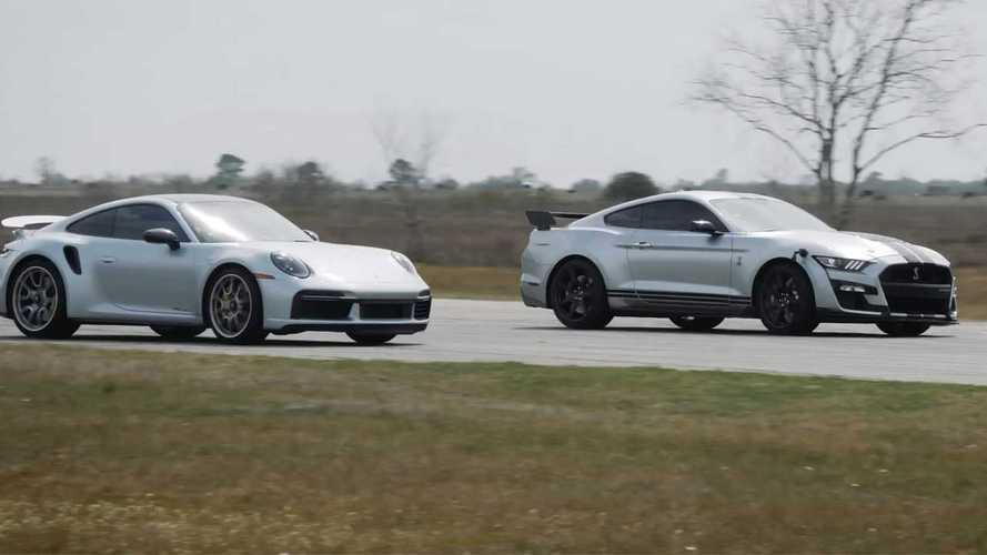Videó: Mennyi lóerő kell egy Ford Mustang Shelby GT500-nak, hogy legyorsuljon egy Porsche 911 Turbo S-t?