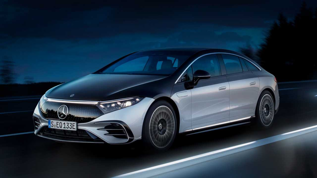 Mercedes accelerating switch to electric power