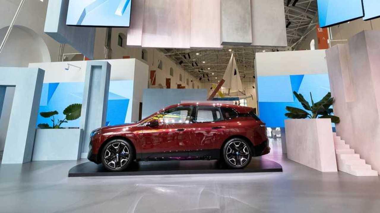 BMW ix nuova