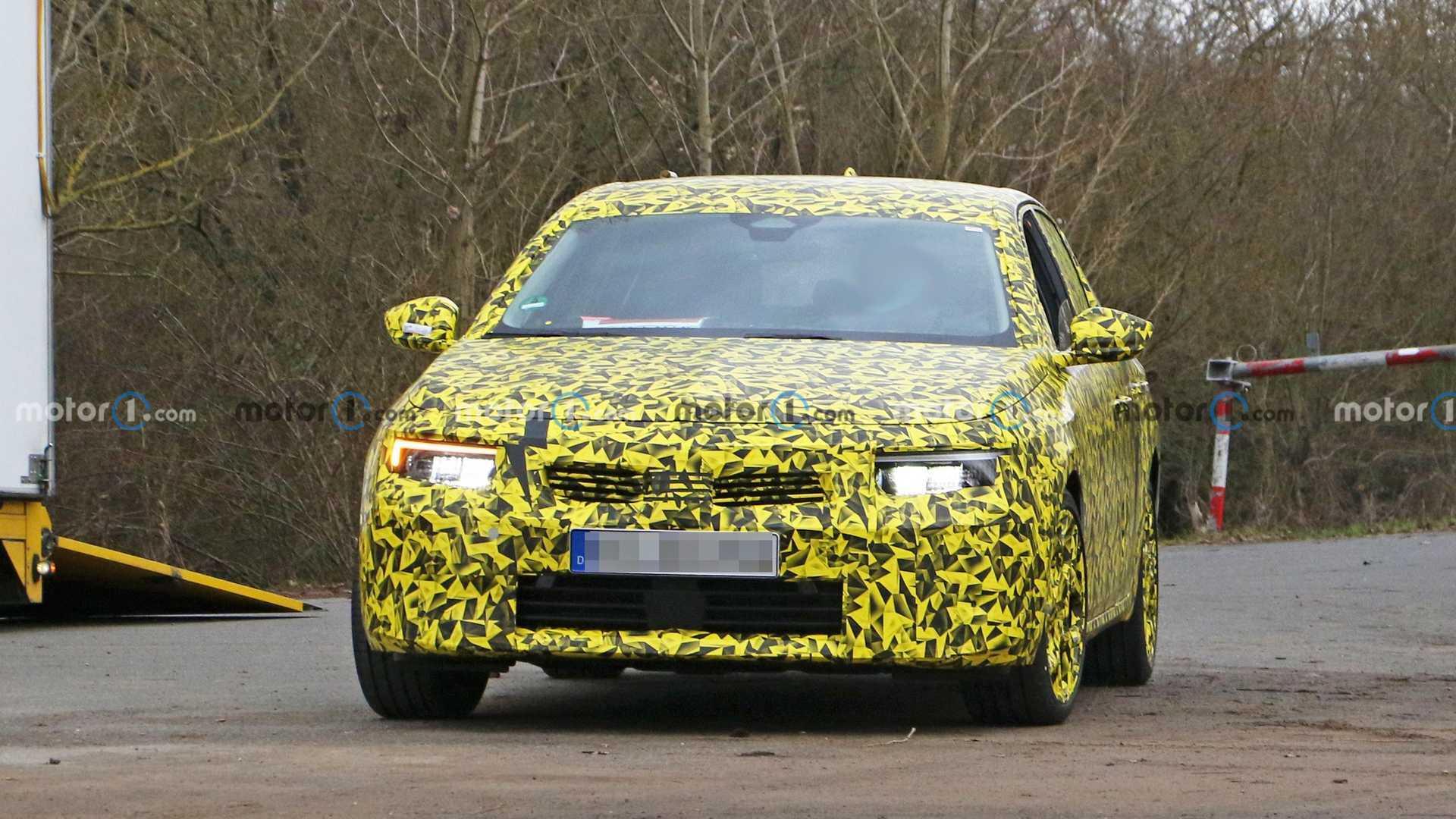 2022 Opel Astra spy photo
