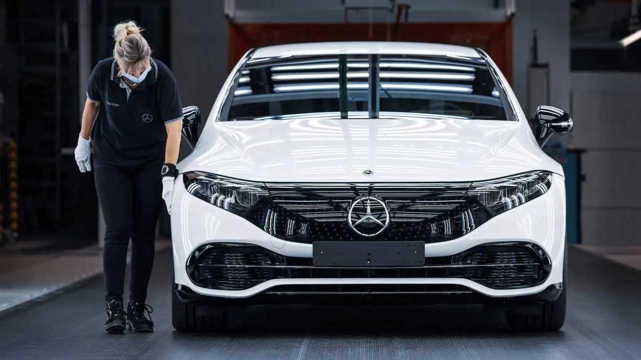 Сборка Mercedes-Benz EQS