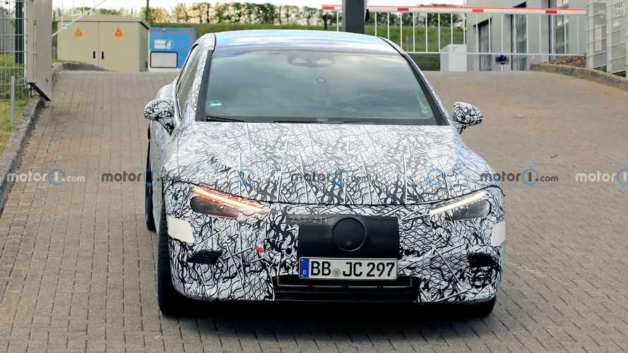 Mercedes-AMG EQE photos espions
