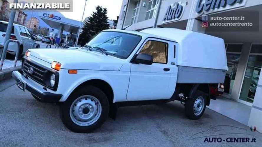 Nuestro querido Lada Niva existe en versión pick-up y se vende
