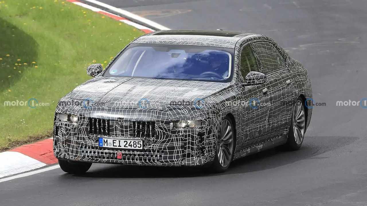 Nuova BMW Serie 7, le foto spia al Nurburgring