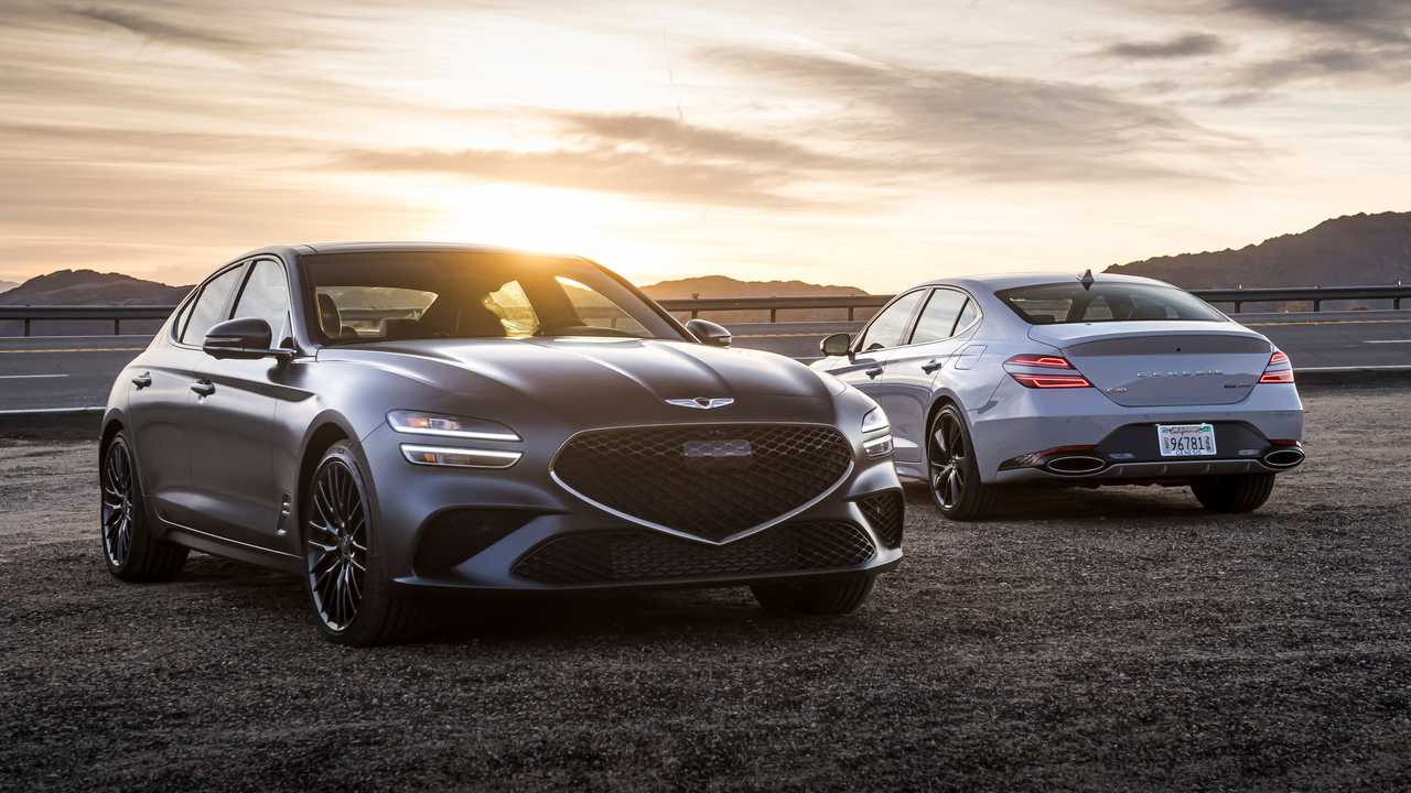 2022 Genesis G70 3.3T Front And Rear