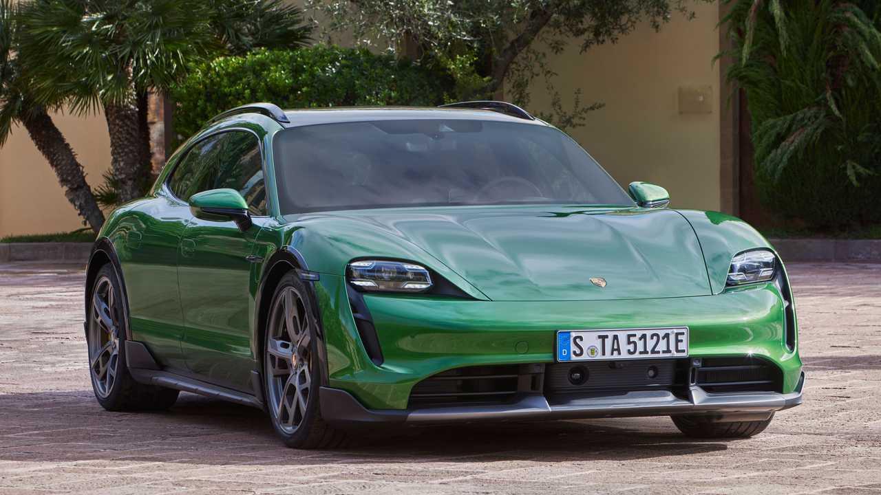 2021 Porsche Taycan Kereszt Turismo