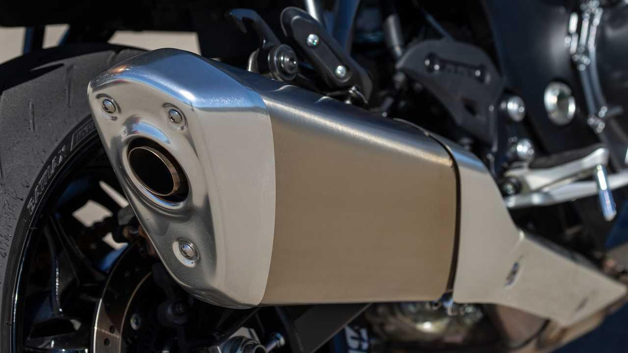 2022 Suzuki Hayabusa Exhaust Detail