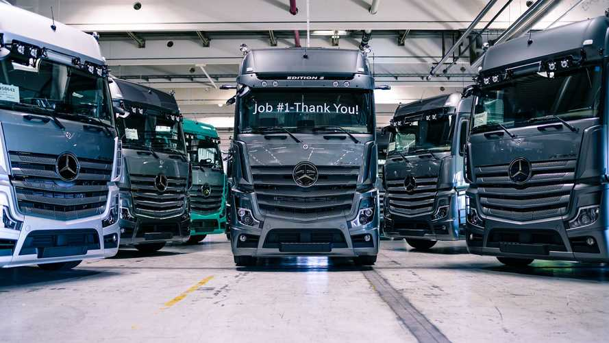 "Mercedes-Benz Actros Edition 2 ""çekici"" bir kamyon"