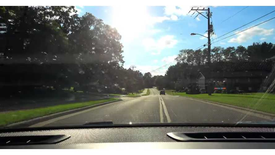 Telsla Motors: Wooded Road Autopilot Test Low Speed Firmware 8.xx (KmanAuto)