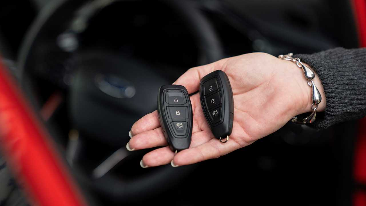 Ford yeni anahtarsız giriş sistemi