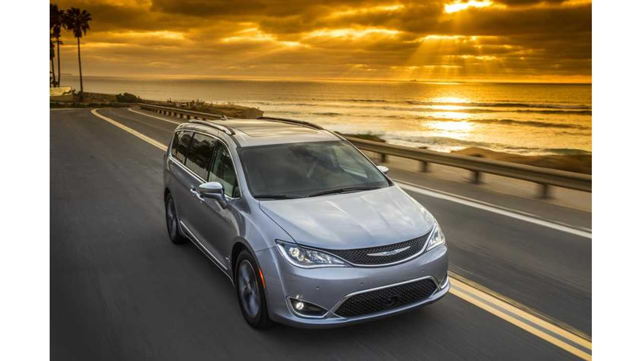 Chrysler Pacifica PHEV Minivan To Be Used In Google's Self-Driving Car Project