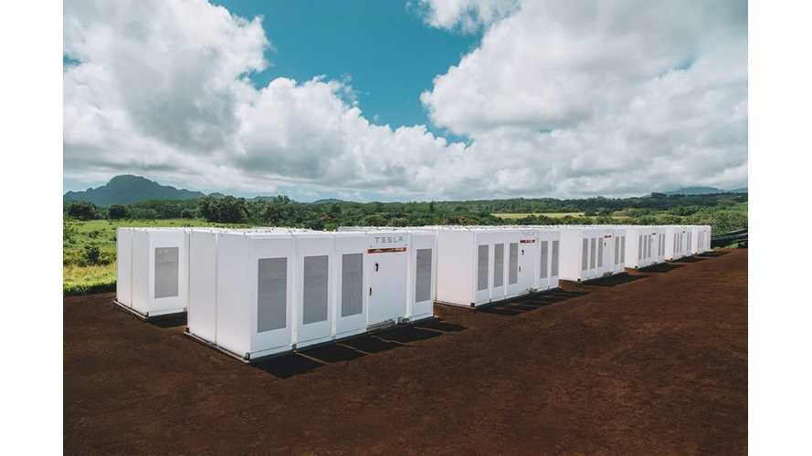Tesla Powers Kauai With 52 MWh Powerpack & 13 MW Solar Farm - Video