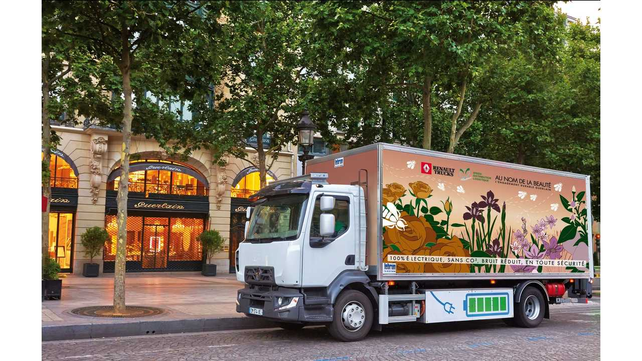 The Electric Renault Truck D On The Streets Of Paris