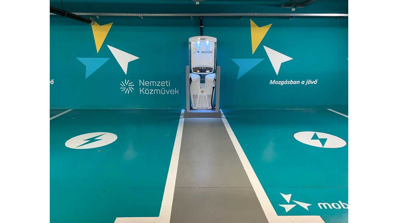 Tritium Veefil-RT Brings First Liquid-Cooled 50kW Fast Charger To Hungary