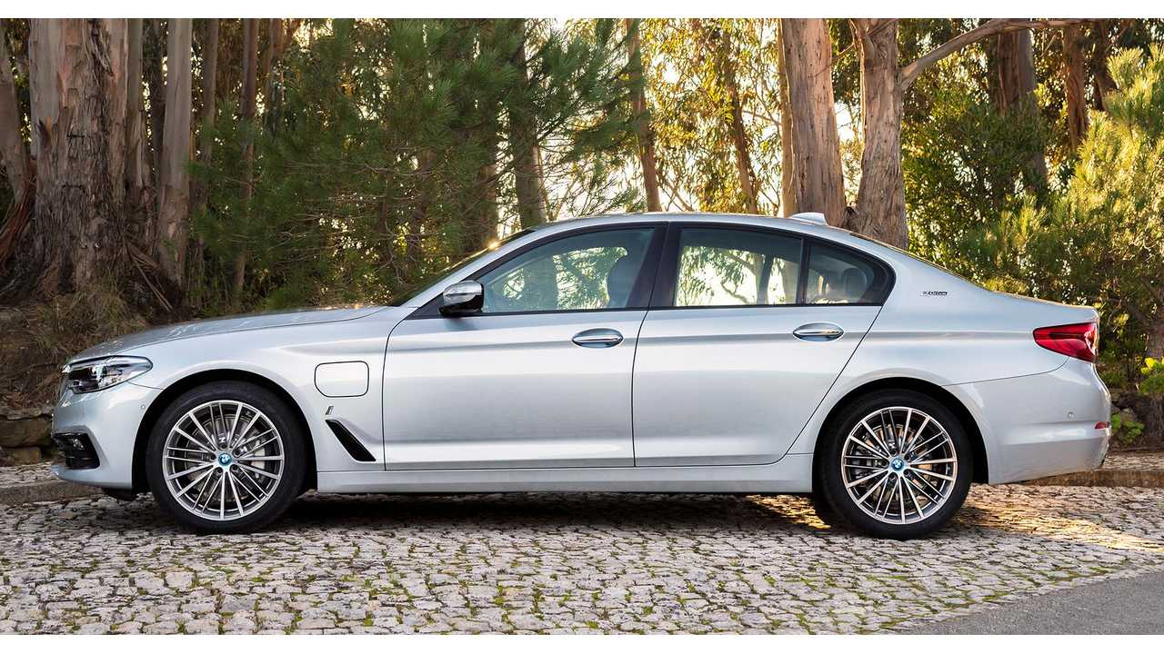 The Bmw 5 Series Plug In Hybrid Outsold Brand S All Electric I3