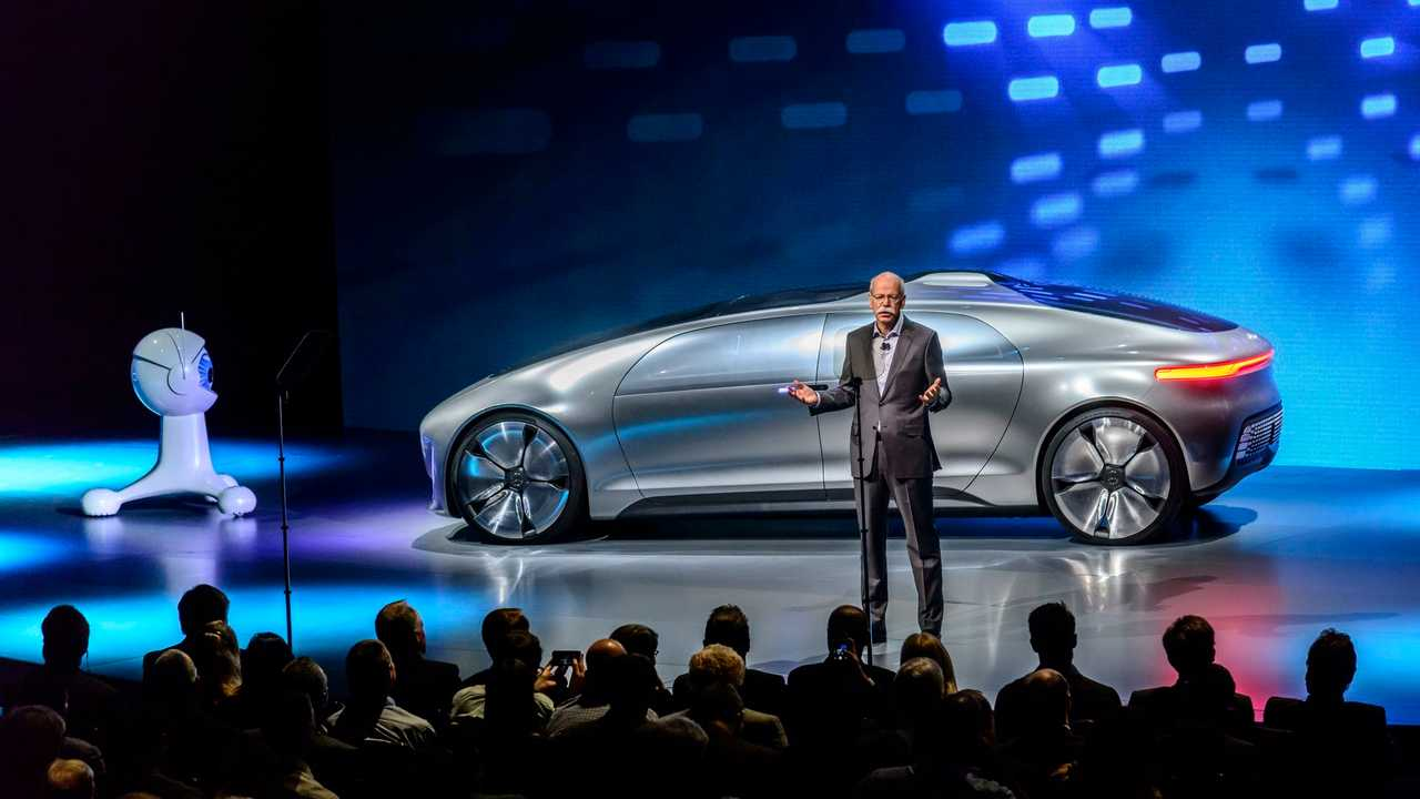 Mercedes-Benz Presents F 015 Fuel Cell Concept With 124 Miles Of Battery-Only Range