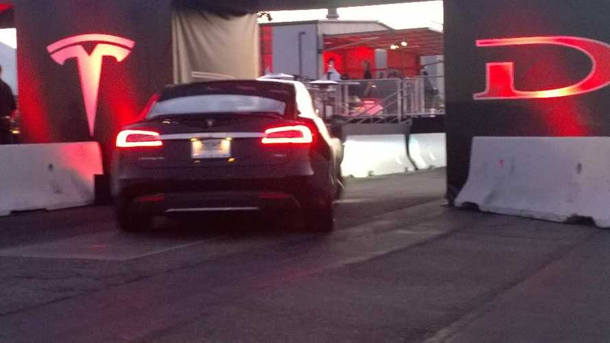 Tesla Reveals AWD Model S P85D - 0 to 60 MPH 3.2 Seconds, Range Up By 20 Miles - Video