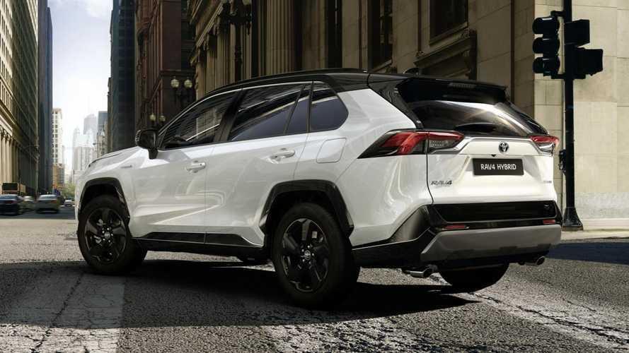 Toyota RAV4, via agli ordini: si parte da 34.550 euro