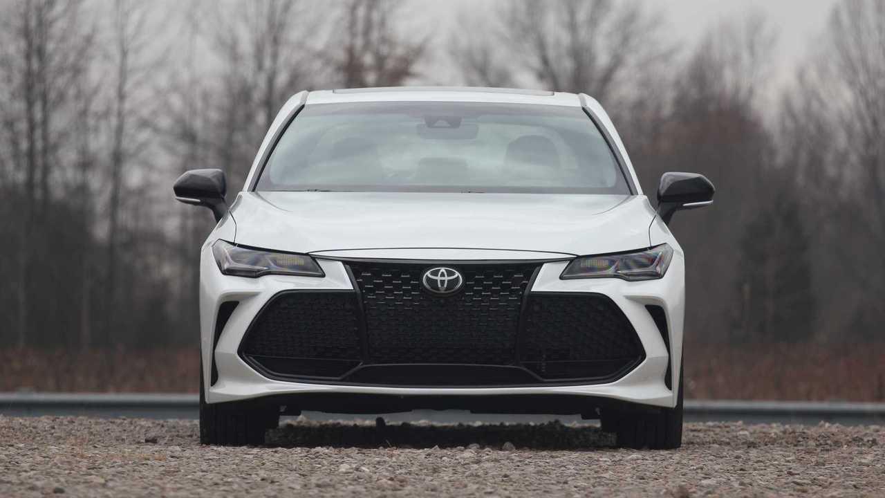 Обзор Toyota Avalon 2019 года