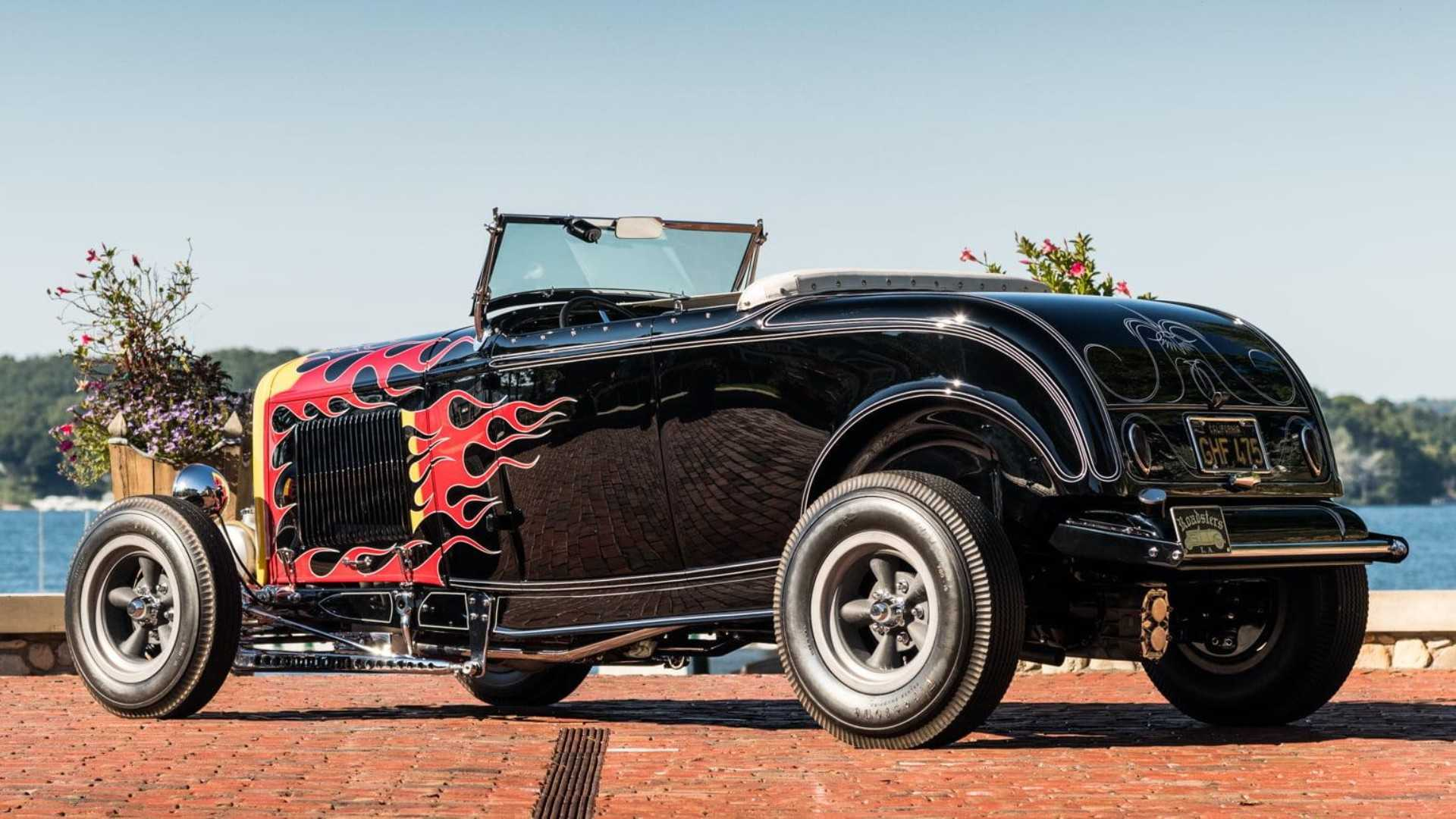 "[""1932 Ford Hot Rod""]"