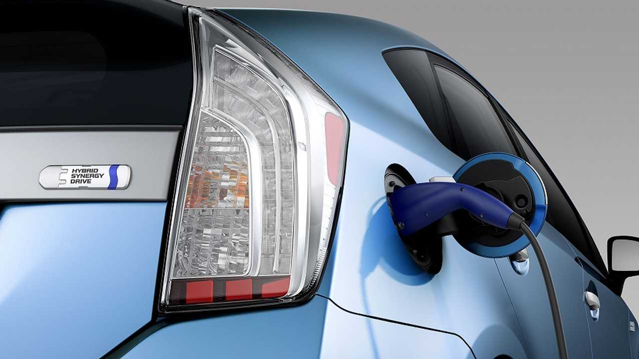 April Plug-In Sales Up 20% - Gains Led By Surging Toyota Prius PHV