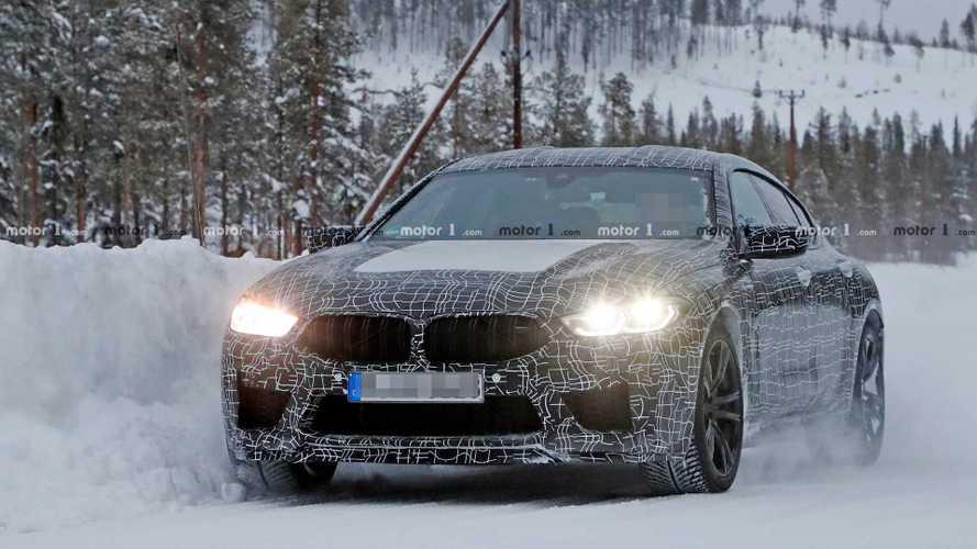 BMW M8 Gran Coupe karda oynarken yakalandı
