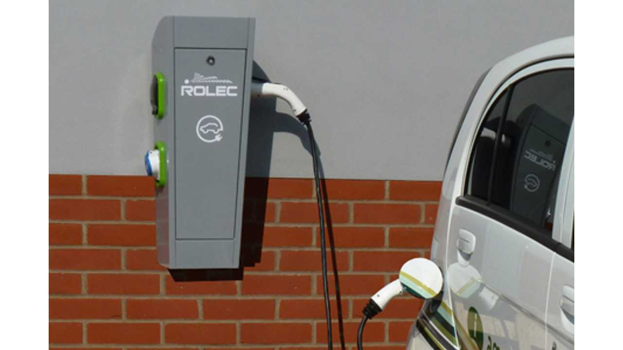 AutoCharge-EV-charging-wall-unit-at-Southview-Hotel-Skegness